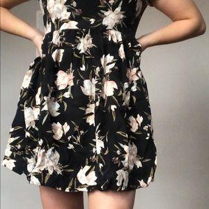 Aritzia Talula Floral Babydoll dress
